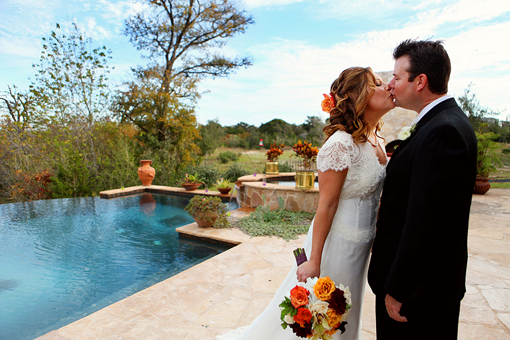 Clink austin texas, Clink wedding, Austin Texas wedding, Austin wedding photographer, Jessica Monnich Photography, bride and groom kissing on wedding day by pool