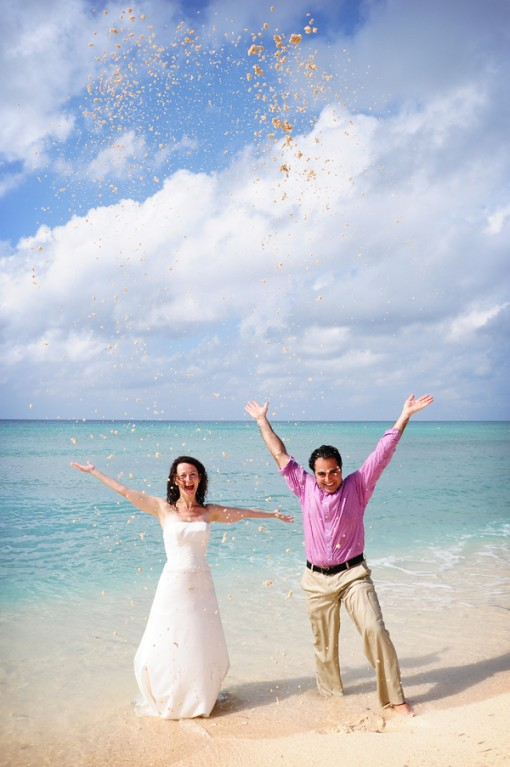 Cayman Islands Real Wedding ::  Laura and Remo