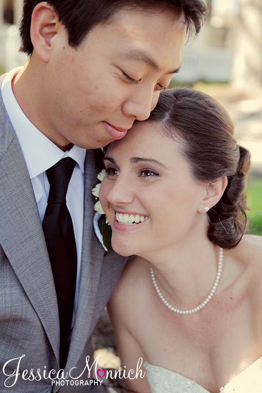 Austin wedding, Allan House wedding, Bride and groom snuggling on wedding day, interacial wedding couple, Jessica Monnich photography