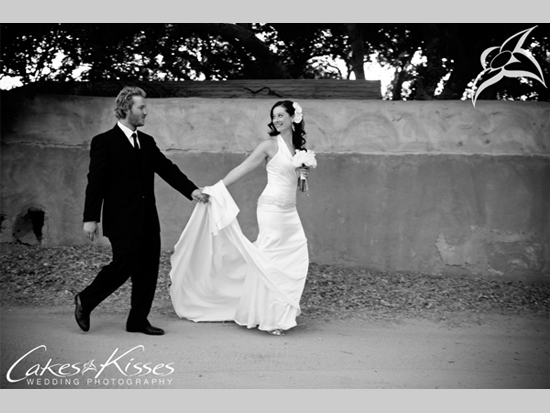 Santa Clarita, private residence wedding, by Cakes and Kisses