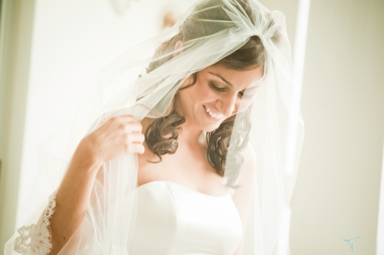 Tara West Boutique Wedding Photography....2011 Sweet Deals...