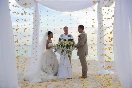 Cayman Islands Real Wedding ::  Rachelle and Justin