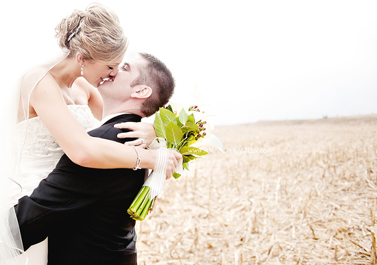 Iowa Wedding Photographer - Amanda Basteen | Rachel & Jay