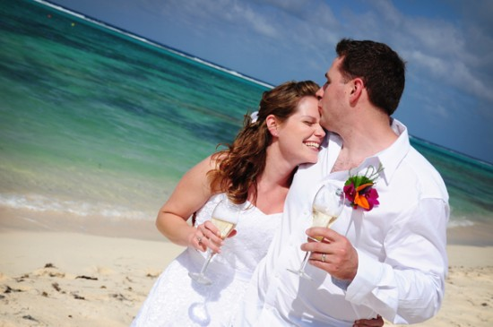 Cayman Islands Real Wedding ::  Jaime and Matt
