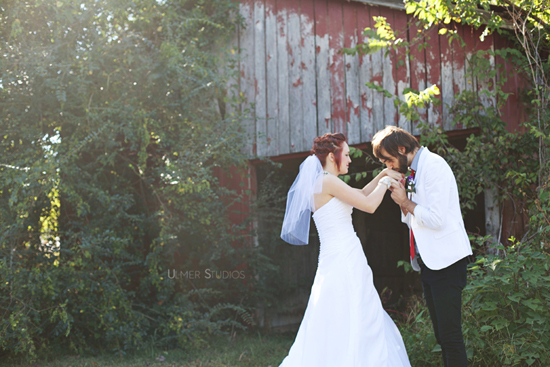A Tennessee Backyard Indie Wedding