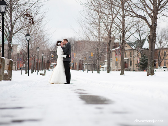 Wedding photo: bride and groom portraits in the snow