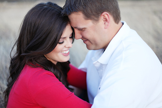 ENGAGEMENT IN AN OPEN FIELD: STEPHANIE HUNTER PHOTOGRAPHY