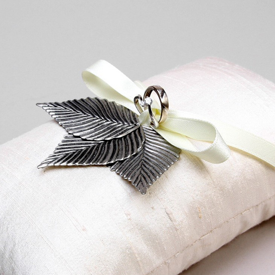antique leaves wedding ring pillow