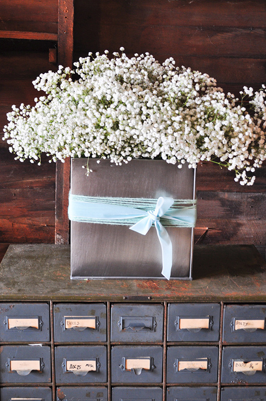 babys breath in tin can