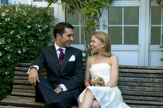 A Brooch Bouquet and a private ceremony in Gibraltar!