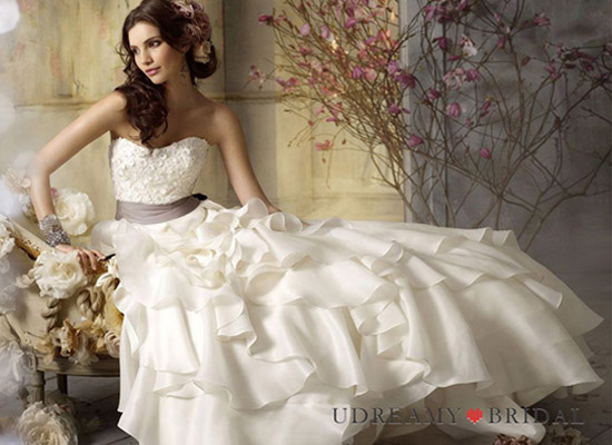 Simple Wedding Dress and Ideas