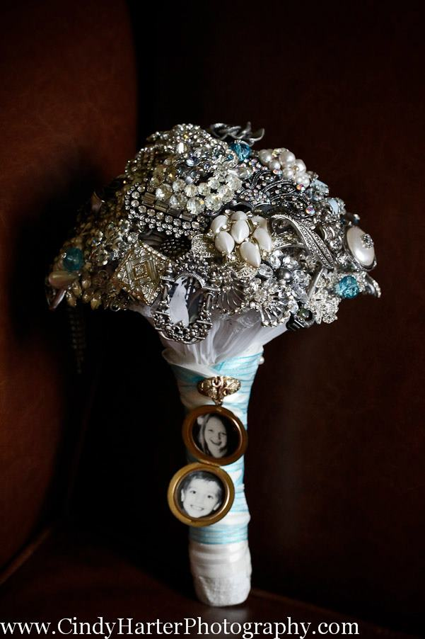 4th of July Vow Renewal With a Sentimental Brooch Bouquet
