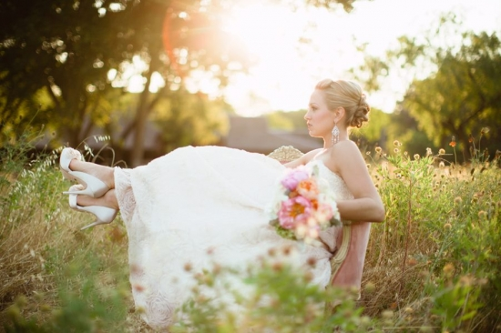 Vintage Outdoor Bridal Session by Sara & Rocky Photography
