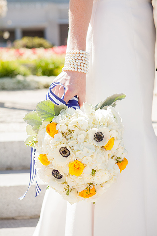 whiteweddingbouquet