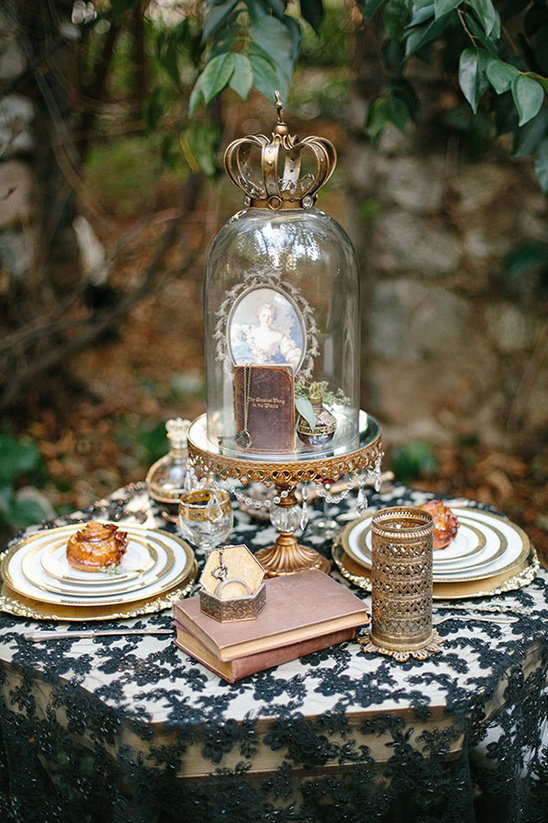 gold and lace wedding ideas