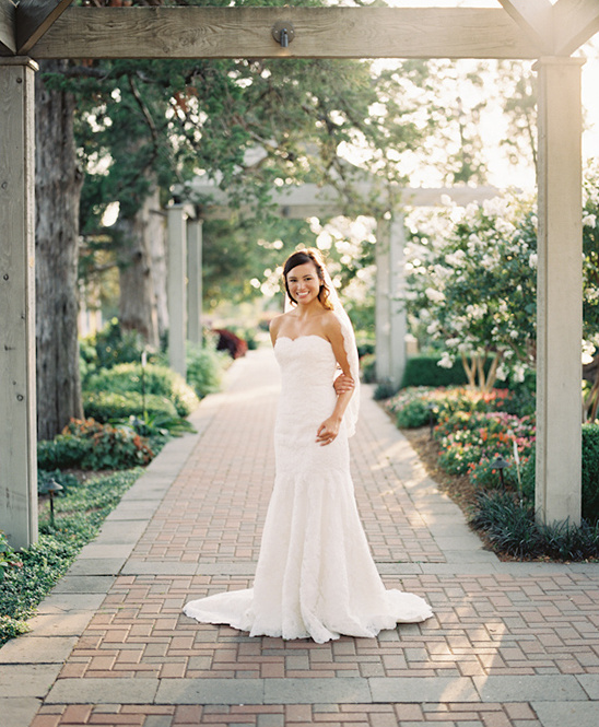lace sweetheart wedding dress