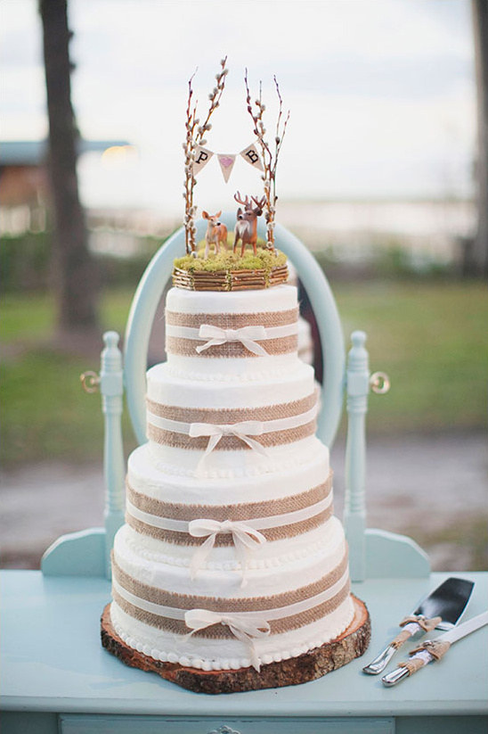 rustic wedding cake from Cakes by Maggi