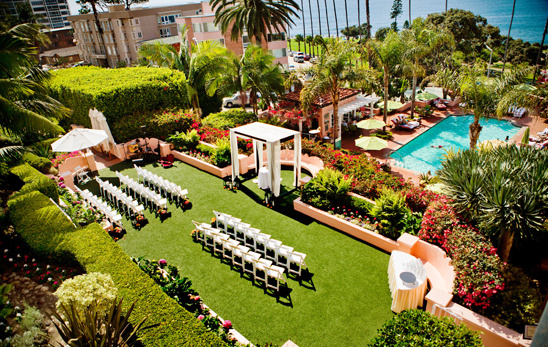 outdoor ceremony in The Garden at La Valencia Hotel