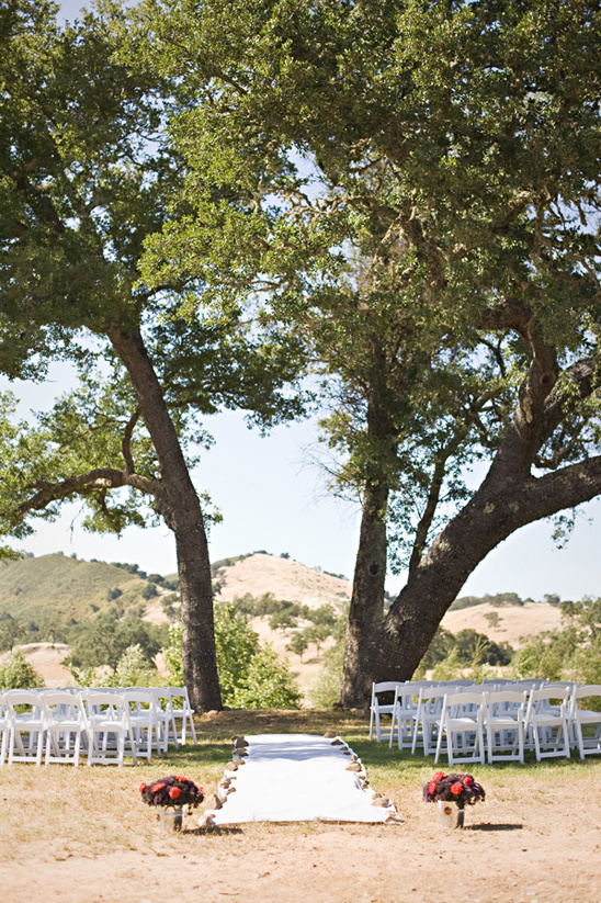 outdoor ceremony at Spanish Oaks Ranch