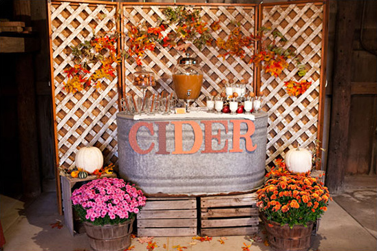 Rustic fall wedding ideas apple cider station junglespirit Gallery