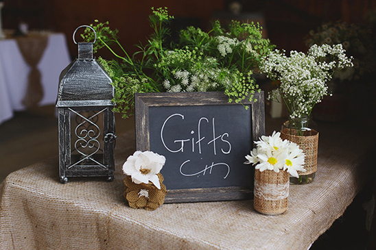 Rustic Wedding Gift Ideas : Closer look at this rustic country wedding by watching the