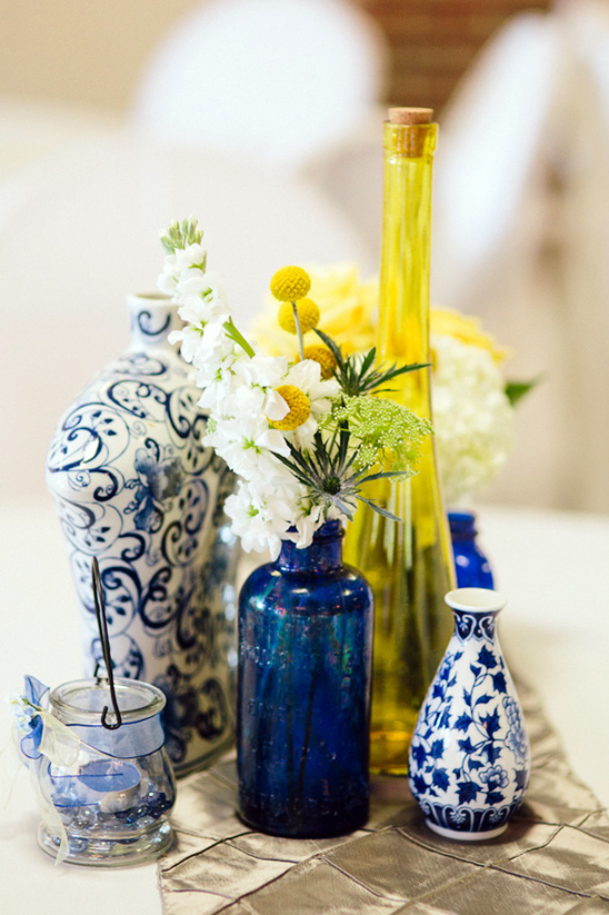 blue, white and yellow table decoration ideas