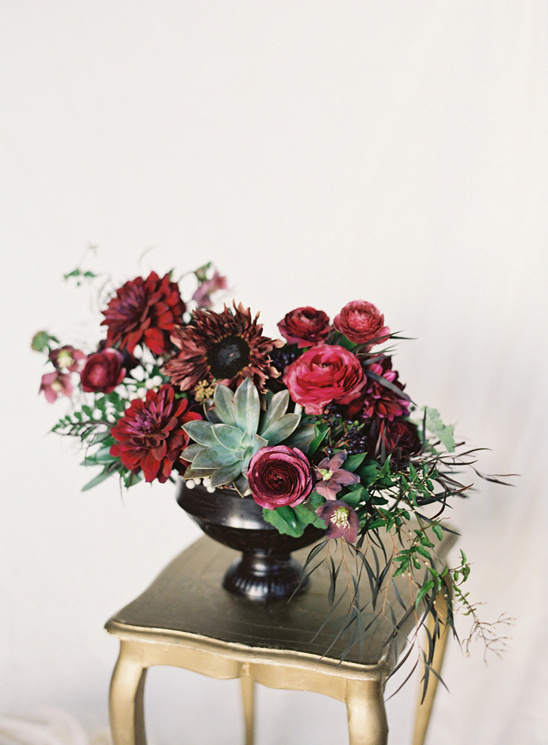 dark and dramatic wedding flowers