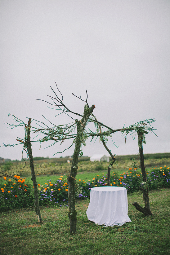 rustic outdoor wedding ceremony decor