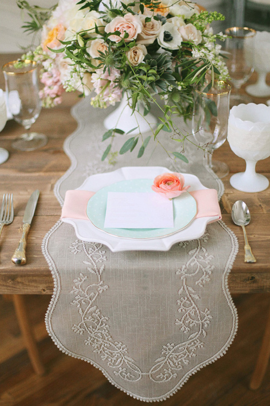spring place setting from Vintage Event Outfitter
