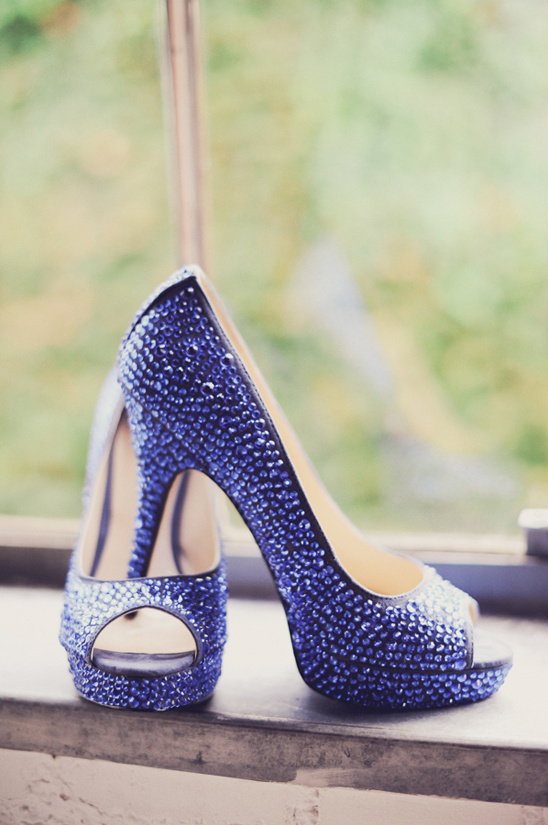 bright blue wedding shoes by Enzo Angiolini