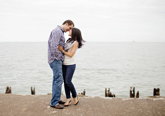 010-chicago-lakefront-engagement-photo