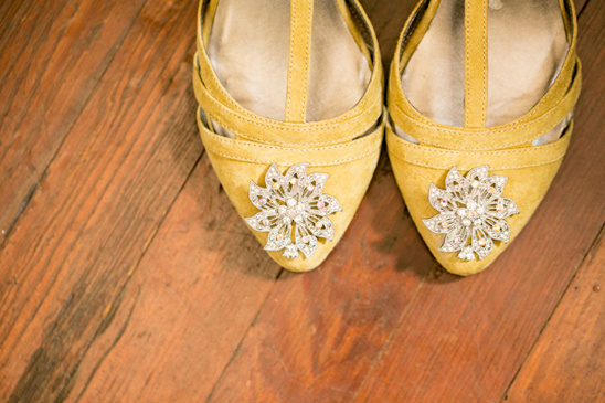 Vintage DIY Wedding in Yellow and Gray