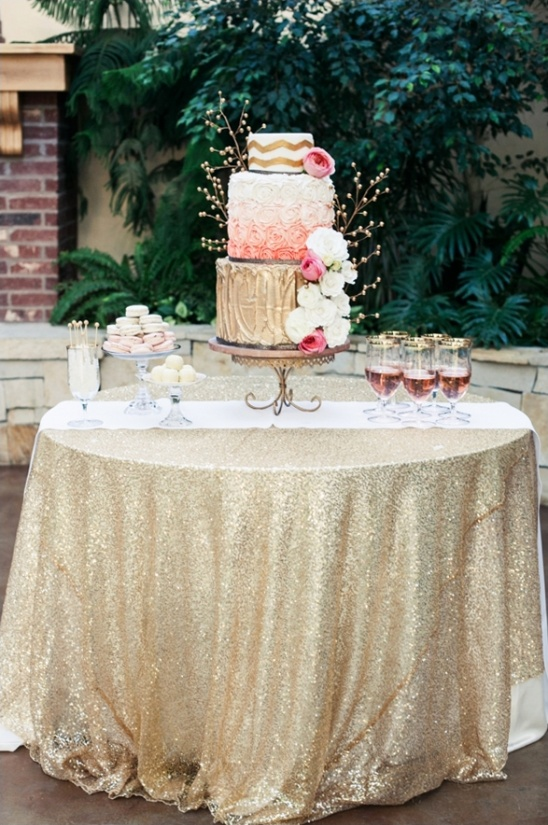 gold cake table ideas