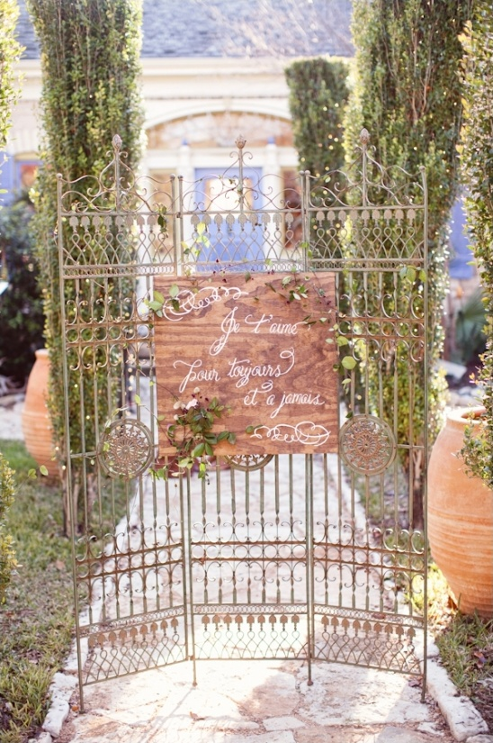 wrought iron room divider as ceremony backdrop