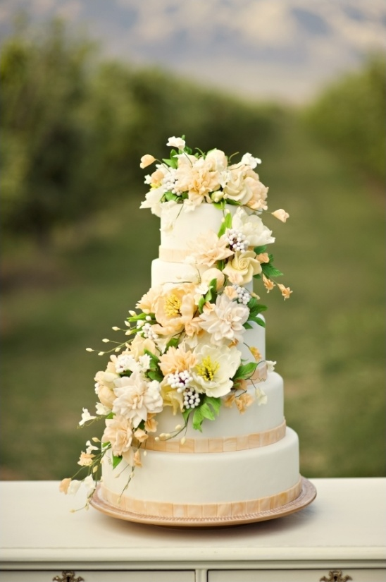 peach and white wedding cake by Sweet Tooth Cakes and Sugar Flowers