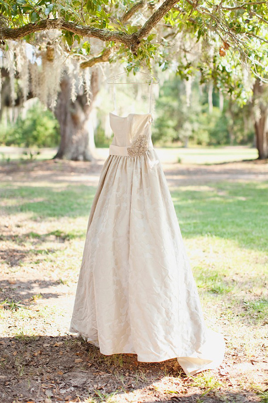cream wedding dreass by Modern Trousseau