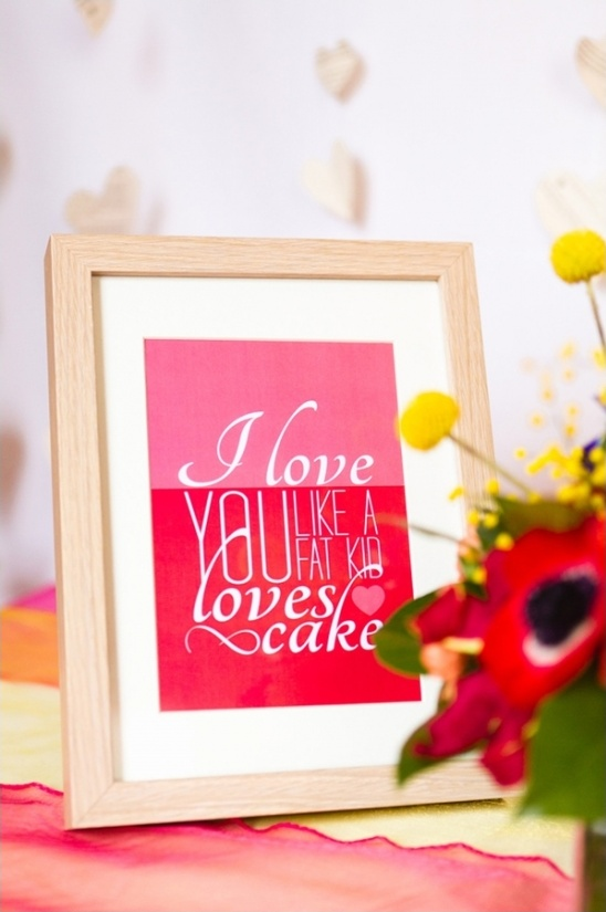 bold cake table sign by Paperknots