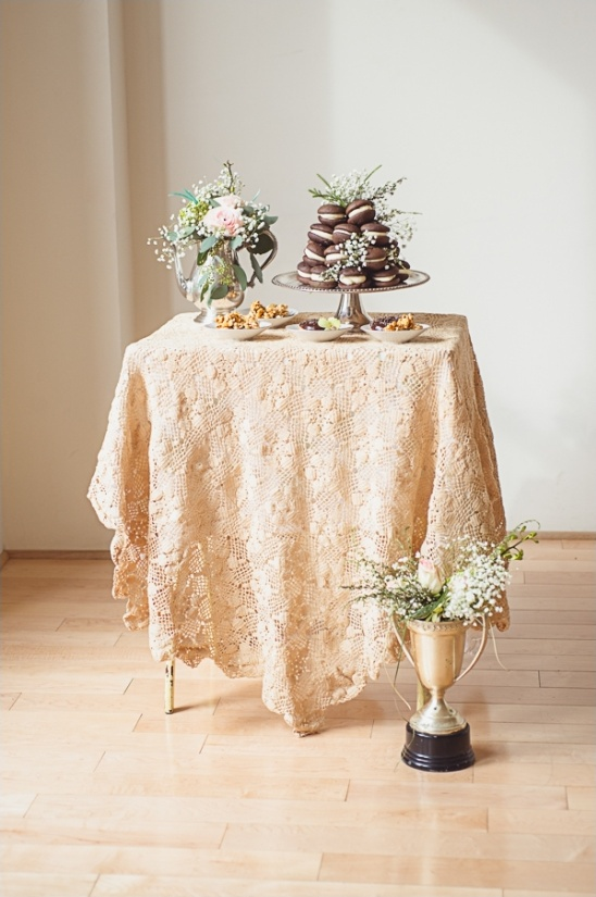 simple vintage cake table ideas
