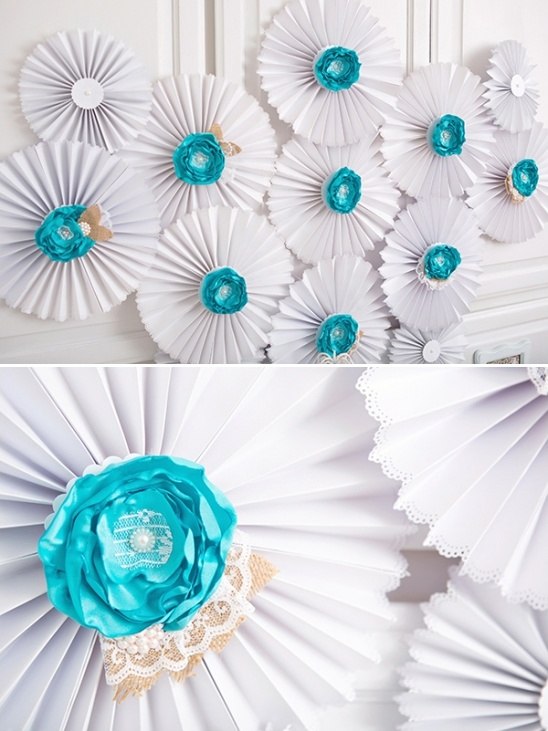 diy blue and white wall decor
