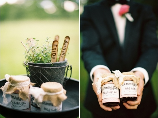 homemade strawberry rhubarb jam wedding favors