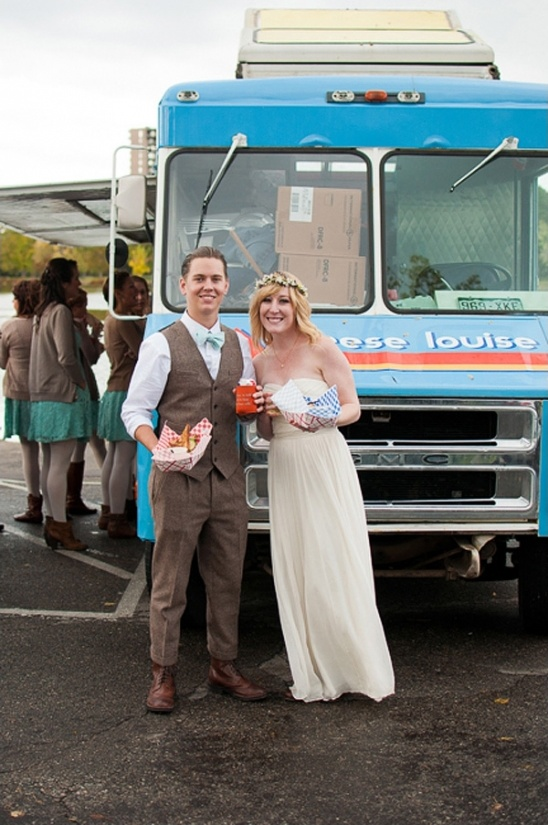 cheese louise food truck at wedding