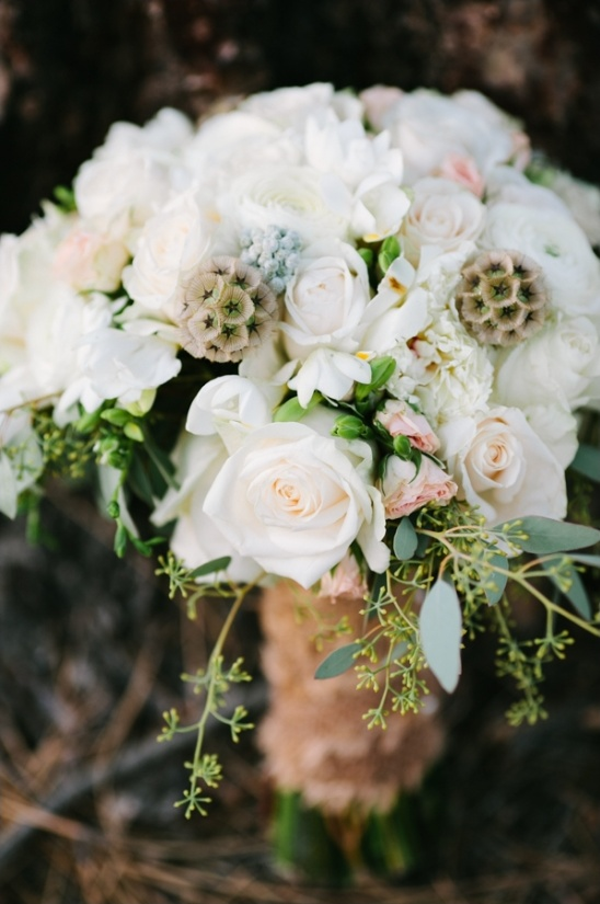 white wedding bouquet by glasswing floral