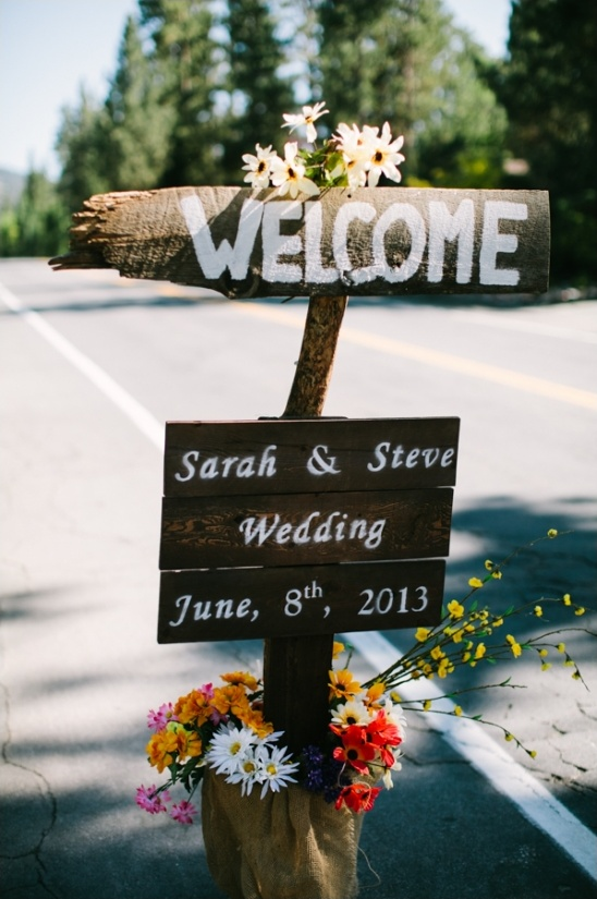 simple rustic wedding sign
