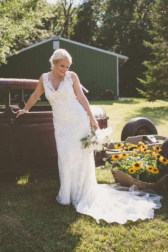 Brown and White Wisconsin Wedding