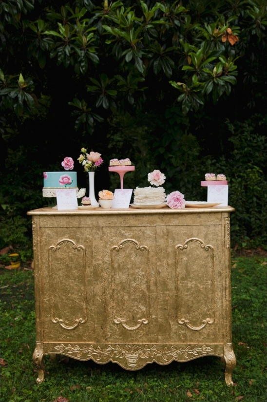 vintage gold sweets station ideas