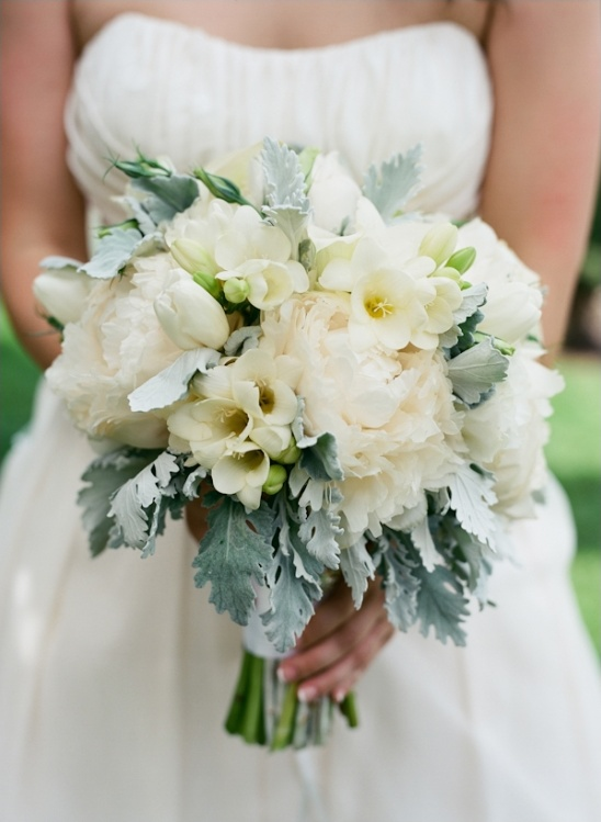 white wedding bouquet by floral theory