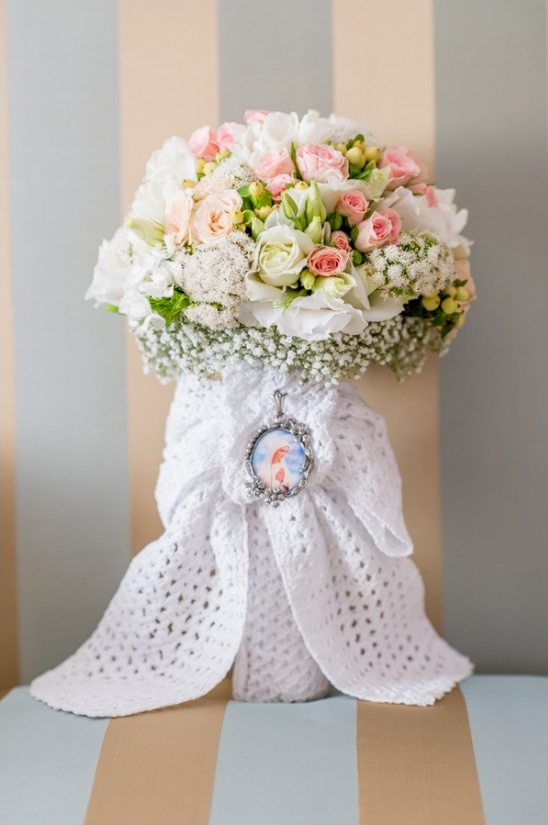wedding bouquet tied with white fabric