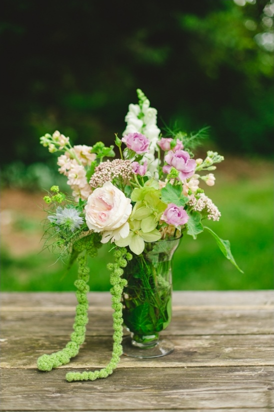 simple floral centerpiece