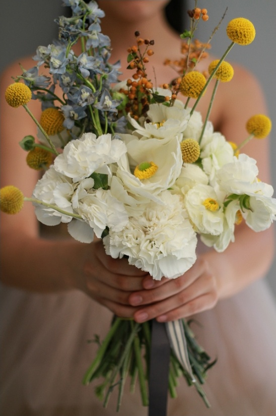 simple wedding bouquet