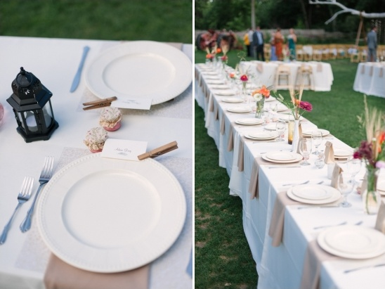 placecards attached to plates with clothespins